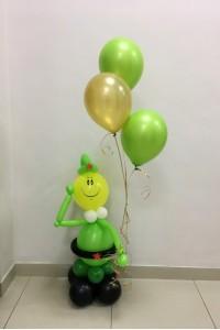 Солдат с воздушными шариками
