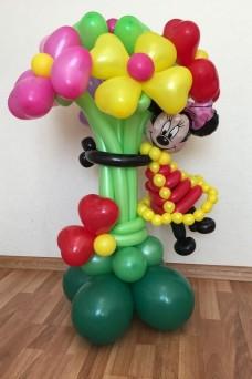 Минни Маус с цветами