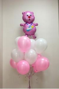 Облако из шаров на рождение девочки.